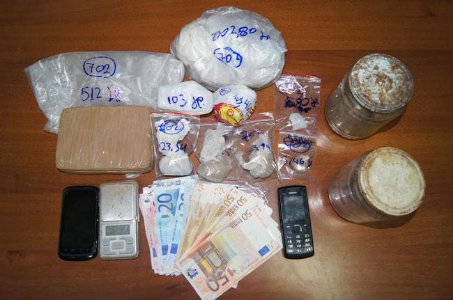 Συνελήφθη οικογένεια στην Άρτα για κατοχή και εμπόριο ναρκωτικών