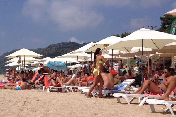 Νεκρή γυναίκα στην παραλία του Βράχου