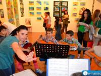 amfiloxia_ekthesi_zografikis_mousiki_sxoli_roza_maligianni.jpg11
