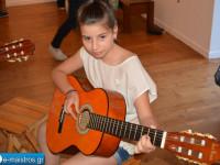 amfiloxia_ekthesi_zografikis_mousiki_sxoli_roza_maligianni.jpg25