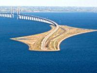 Ένα θαύμα της μηχανικής – Αυτή η απίστευτη γέφυρα μετατρέπεται σε τούνελ και συνδέει την Δανία με την Σουηδία!