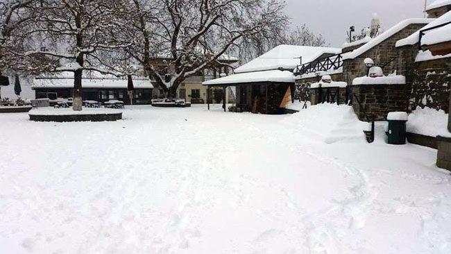 Μεγάλη χιονόπτωση στην Άρτα – Χωρίς ιδιαίτερα προβλήματα αντιμετωπίστηκε το κύμα κακοκαιρίας