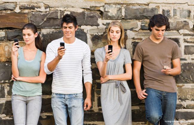 Ακτινοβολία στο σπίτι: Τι ισχύει για Wi-Fi, κινητά και ασύρματα τηλέφωνα