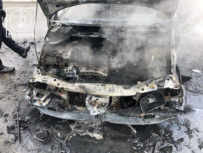 Κάηκε ολοσχερώς ΙΧΕ στην Ιόνια Οδό στα διόδια Μενιδίου