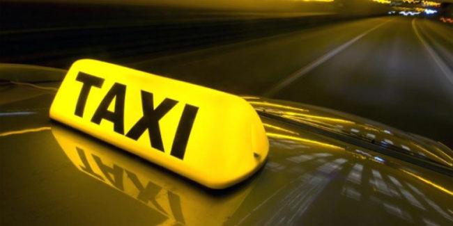 ΤΑΞΙ Φορολογική παράβαση αποτελεί πλέον η είσπραξη κομίστρου από εφαρμογές για ταξί τύπου BEAT ή UBER