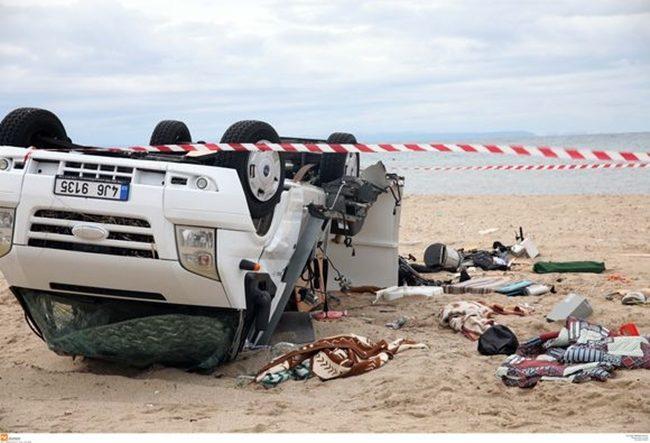 Φονική κακοκαιρία στη Χαλκιδική – 6 νεκροί – Πώς σηκώθηκε το τροχόσπιτο