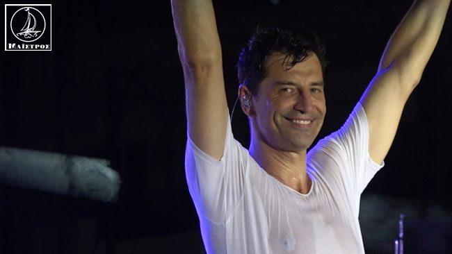 Σάκης Ρουβάς ο απόλυτος Έλληνας Performer αποθεώθηκε στο Λιμάνι Αμφιλοχίας