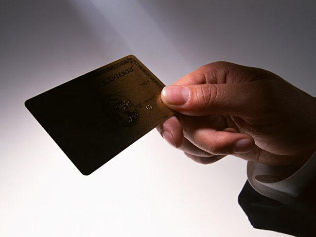 Έκλεψε τραπεζική κάρτα και έκανε αναλήψεις από ΑΤΜ στην Άρτα