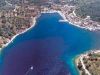 Το Μεγανήσι μεταμορφώνεται σε ιδιωτικό παραθεριστικό χωριό πλουσίων με βίλες, ξενοδοχεία και μαρίνες