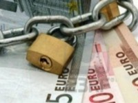 93.000 κατασχέσεις λογαριασμών, 56 σπίτια την ημέρα στο σφυρί για χρέη προς το Δημόσιο!