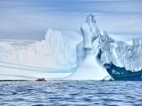 Δεν προσέγγισε το ερευνητικό πλοίο το παγοθραυστικό