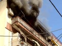 Τραγωδιά με τρεις νεκρούς και δύο τραυματίες από πυρκαγιά σε διαμέρισμα