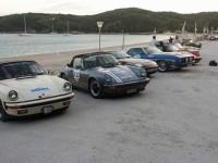 Εντυπωσιακό θέαμα από σπάνια αυτοκίνητα αντίκες  στα πλαίσια του ετήσιου Touramical ράλλυ