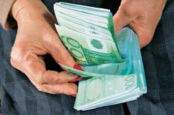 Με πλαστή επιταγή  10.290€ εξαπάτησε Αρτινό 24χρονος από την Πρέβεζα
