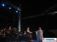 Καθήλωσαν  το κοινό Μαρινέλλα Χατζής