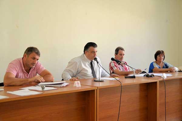 Νίκος Καραπάνος: «Όχι στις απολύσεις, ναι στην αξιολόγηση»