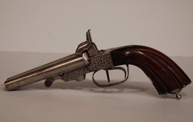 Παράταση ισχύος αδειών κατοχής συλλεκτικών όπλων και ιστορικών ή οικογενειακών κειμηλίων