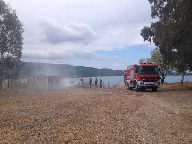 Κινητοποίηση της πυροσβεστικής στην Αμφιλοχία για κατάσβεση πυρκαγιάς