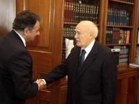 Ο πρόεδρος πήρε θέση – Είστε από τους πλέον πληττόμενους από την κρίση είπε στα μέλη του Προεδρείου της Εθνικής Συνομοσπονδίας Ελληνικού Εμπορίου