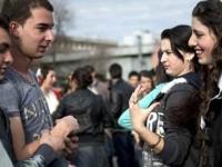 Νυφοπάζαρο Ρομά στην Βουλγαρία: Έφηβες αναζητούν τους συζύγους τους