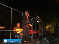 Μάγεψε το κοινό ο Βασίλης Λέκκας χθες στην παραλία της Αμφιλοχίας