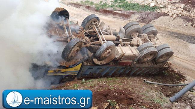 Σφοδρή σύγκρουση ΙΧ με φορτηγό στην Ιόνια Οδό στην Αμφιλοχία