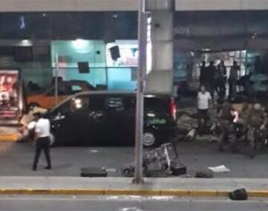 Διπλή έκρηξη στο αεροδρόμιο της Κωνσταντινούπολης. Δεκάδες νεκροί