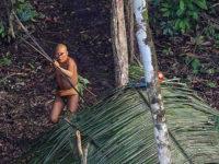Τις πρώτες εικόνες μιας άγνωστης φυλής του Αμαζονίου φέρνει στο φως το National Geographic