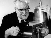 Ο άνθρωπος που δημιούργησε το πρώτο φωτοτυπικό «έφαγε πόρτα» από ΙΒΜ και General Electric – Με ελληνικό όνομα, επένδυσε στην ιδέα του και έγινε κολοσσός