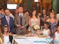 Τα σκαλιά της εκκλησίας ανέβηκε η γνωστή τραγουδίστρια Μαρία Γιαννακά