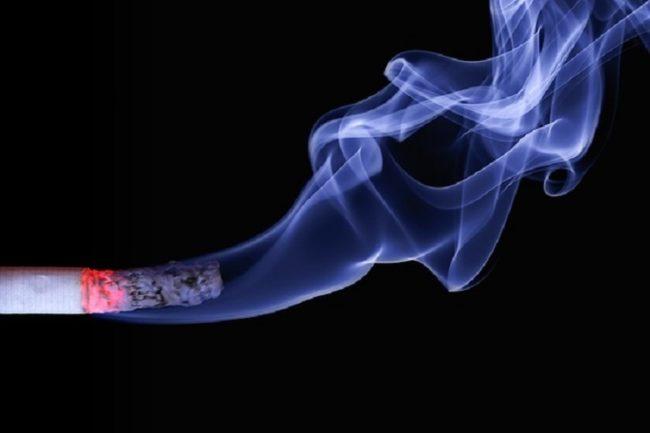 «Όχι» του ΣτΕ στην αίτηση καταστηματαρχών για ακύρωση της απαγόρευσης του καπνίσματος