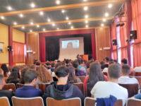 Εκπαιδευτικό σεμινάριο για την επιχειρηματικότητα και τον εκπαιδευτικό προσανατολισμό για μαθητές και ανέργους από το Δήμο Αρταίων