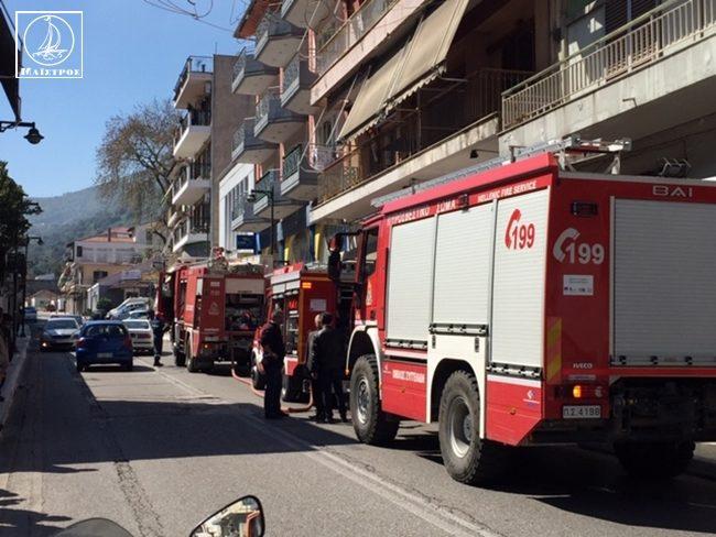 Φωτιά σε διαμέρισμα στην Αμφιλοχία – Μεγάλη επιχείρηση της Πυροσβεστικής