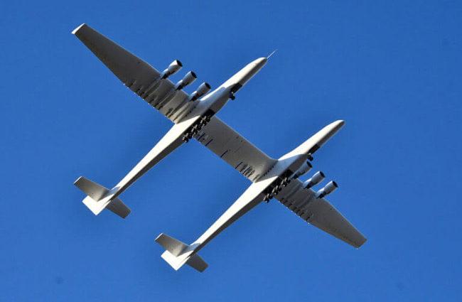 Προκαλεί δέος το Stratolaunch – Πρώτη πτήση για το μεγαλύτερο αεροπλάνο στον κόσμο