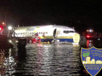 ΗΠΑ: Δραματική επιχείρηση διάσωσης των επιβατών του Boeing που προσγειώθηκε σε ποτάμι