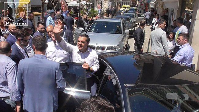 Ενθουσιώδης υποδοχή του Πρωθυπουργού στην Άρτα