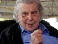 Μίκης Θεοδωράκης: Η μάχη του κορυφαίου Έλληνα συνθέτη! «Είναι πολύ άρρωστος, με πολλά προβλήματα υγείας»