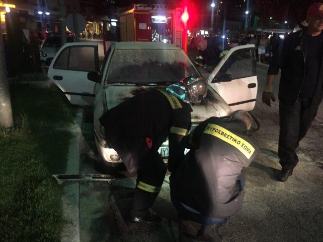 Φωτιά σε αυτοκίνητο στο κέντρο της Αμφιλοχίας
