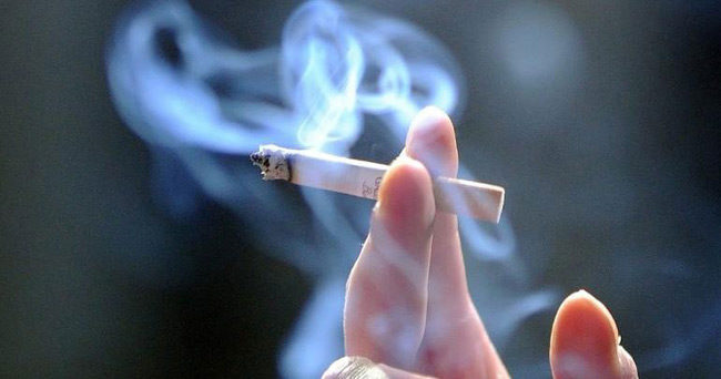 Νομικό μόρφωμα οι λέσχες καπνιστών – Προειδοποιεί η Εθνική Αρχή Διαφάνειας