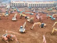 Χτίζουν νοσοκομείο σε 11 μέρες οι Κινέζοι για τον κορονοϊό – Εντυπωσιακές εικόνες από το έργο-αστραπή