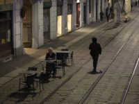 Εξαπλώνεται ο κορωνοϊός στην Ιταλία – Κρούσματα σε Φλωρεντία και Σικελία – Πόλη-φάντασμα το Μιλάνο