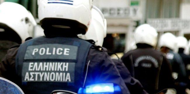 Αρνητικός στον κορονοϊό ο 26χρονος που έφτυσε αστυνομικούς στη Βούλα