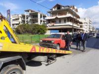 Απομάκρυνση 51 εγκαταλελειμμένων οχημάτων από την Δημοτική Αστυνομία.