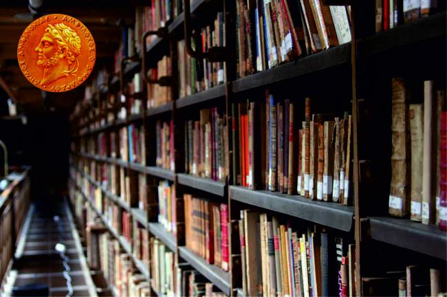 Βιβλίο στο σπίτι με ένα τηλέφωνο από τη δημοτική βιβλιοθήκη «Π. Κόκκαλης»