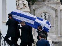 Μανώλης Γλέζος: Αποχαιρετισμός στον τελευταίο παρτιζάνο – Μεσίστια η σημαία στην Ακρόπολη