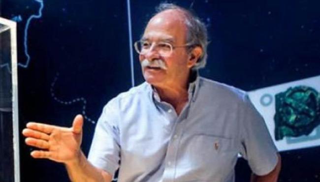 Πέθανε ο Γιάννης Σειραδάκης! Τα τελευταία προφητικά λόγια στους φοιτητές του