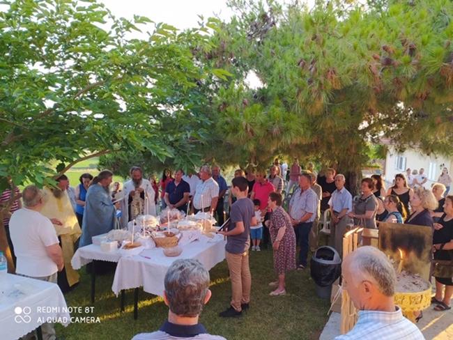 Εορτασμός Πέτρου και Παύλου στο εκκλησάκι στον οικισμό Καινούργιο Αμπελακίου