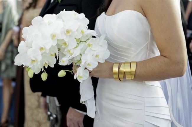 Χαλαρώνουν τα μέτρα και στις εκκλησίες, χαμόγελα σε όσους σχεδιάζουν γάμο ή βάφτιση