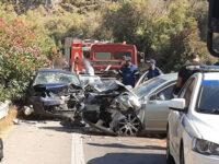 Σοκαριστικό τροχαίο στην Κρήτη: Μετωπική σύγκρουση οχημάτων οδήγησε στον θάνατο μια γυναίκα