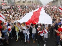 Λευκορωσία: 100.000 πολίτες στους δρόμους με τα «χρώματα της αμφισβήτησης»